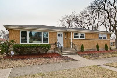 Skokie Single Family Home For Sale: 3617 Greenleaf Street