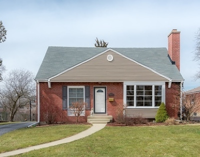 Downers Grove Single Family Home For Sale: 4608 Sherwood Avenue