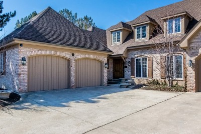 Burr Ridge Condo/Townhouse For Sale: 1 Tartan Ridge Road