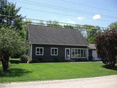 Libertyville Single Family Home For Sale: 16187 West Des Plaines Drive