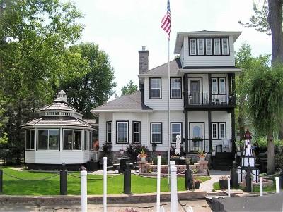Fox Lake Single Family Home For Sale: 35 Lakeside Lane