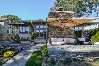 Johnsburg Single Family Home For Sale: 2209 West Fairview Avenue