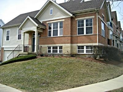 Hanover Park Condo/Townhouse For Sale: 5680 Cambridge Way