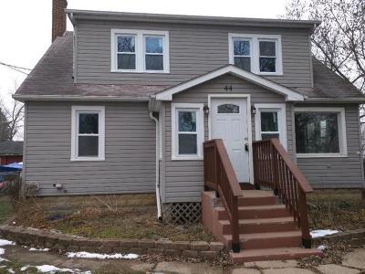 Fox Lake Single Family Home Price Change: 44 Lippincott Road