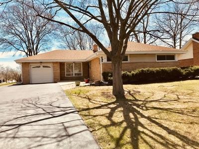 Villa Park Single Family Home For Sale: 5 West Leslie Lane