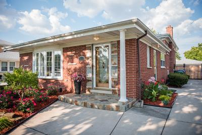 Oak Lawn Single Family Home For Sale: 10649 Laramie Avenue