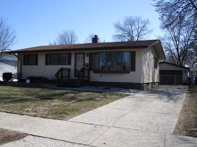 Thornton Single Family Home Contingent: 39 Indianwood Drive