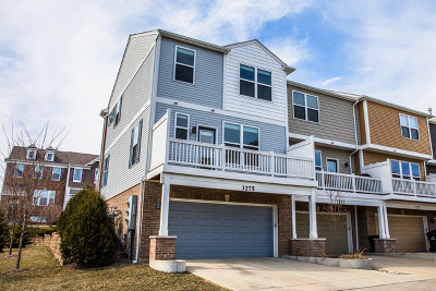 Glenview Condo/Townhouse For Sale: 3275 Coral Lane