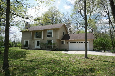 Batavia Single Family Home For Sale: 35w509 Thorncrest Lane