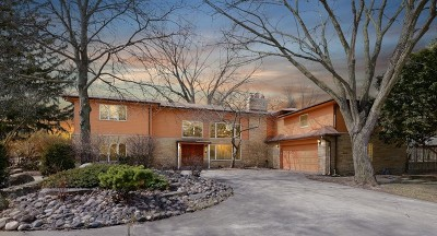Oak Brook Single Family Home For Sale: 46 Woodland Drive