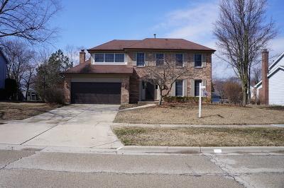 Libertyville Single Family Home For Sale: 1677 Cedar Glen Drive
