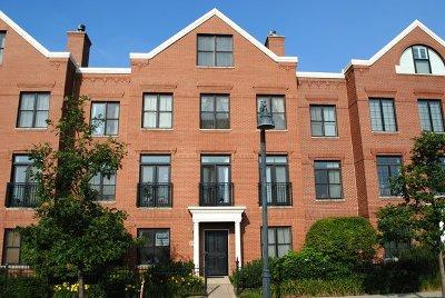 Glenview Condo/Townhouse For Sale: 1916 Patriot Boulevard