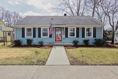 Brookfield Single Family Home For Sale: 9537 Henrietta Avenue