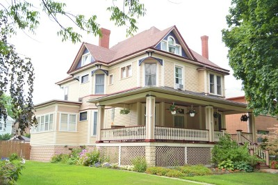 Oak Park Single Family Home For Sale: 231 South Grove Avenue
