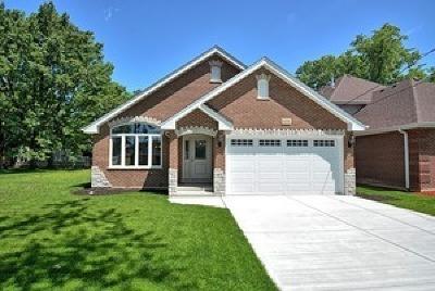 Oak Lawn Single Family Home For Sale: 5158 West 91st Street