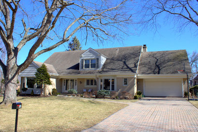 Barrington  Single Family Home For Sale: 381 North Valley Road