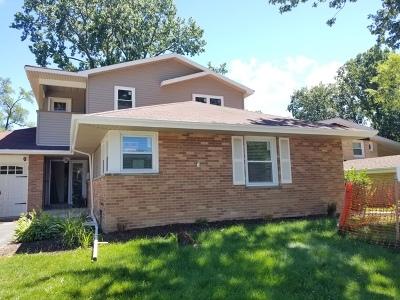 Skokie Single Family Home For Sale: 9025 North Kildare Avenue