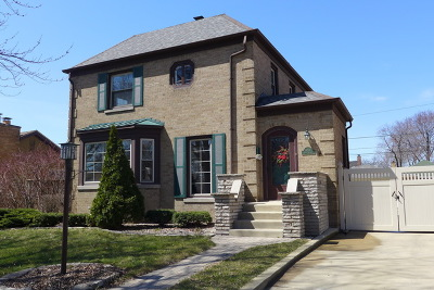 Orland Park, Tinley Park, Evergreen Park, Oak Lawn, Matteson, Olympia Fields, Flossmoor, Frankfort, Country Club Hills, Richton Park, Palos Heights, Palos Park, Palos Hills, Orland Hills, Homewood, Crestwood Single Family Home For Sale: 9714 South Avers Avenue