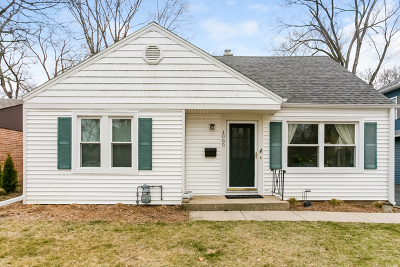Deerfield Single Family Home For Sale: 1055 Forest Avenue