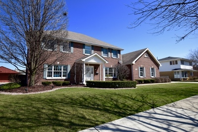 Oak Lawn Single Family Home For Sale: 10341 Lawler Avenue