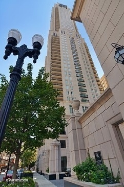 Chicago Condo/Townhouse For Sale: 11 East Walton Street #3900