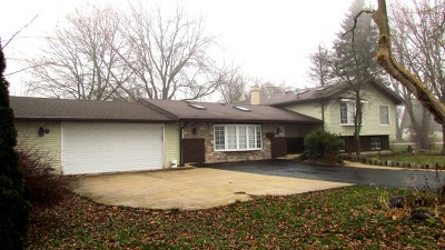 West Chicago IL Single Family Home Contingent: $324,500