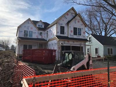 Elmhurst Single Family Home For Sale: 484 North Emroy Avenue