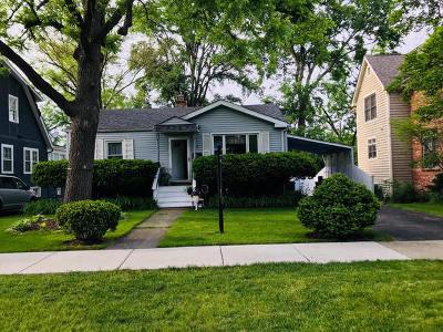 Glen Ellyn Single Family Home For Sale: 426 Ridgewood Avenue