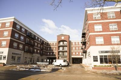 Grayslake Condo/Townhouse New: 10 Lake Street #412