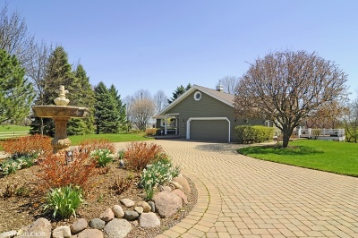 Grayslake Single Family Home For Sale: 31150 North Gilmer Road