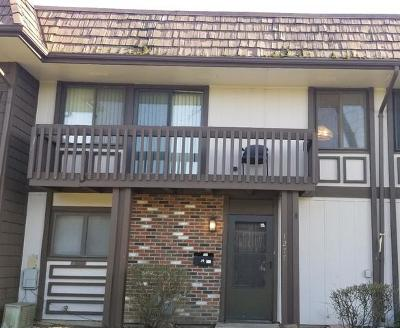 Hanover Park Condo/Townhouse For Sale: 1277 Court D