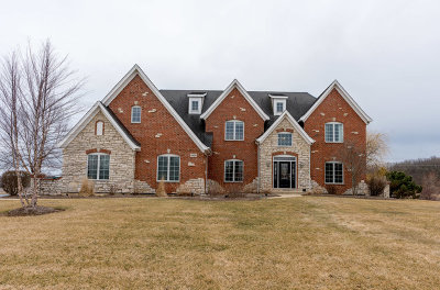 St. Charles Single Family Home Contingent: 41w269 Hearthstone Court