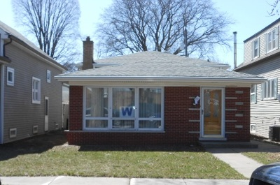 Bedford Park  Single Family Home For Sale: 7811 West 65th Place