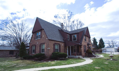 Evergreen Park Single Family Home Contingent: 2715 West 96th Street