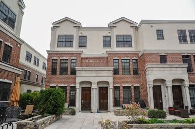 Highland Park Condo/Townhouse For Sale: 853 Laurel Avenue