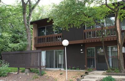 Lisle Condo/Townhouse Contingent: 5931 Oakwood Drive #142-A