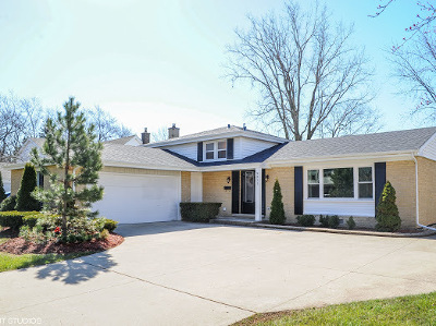 Glenview Single Family Home For Sale: 3211 Maple Leaf Drive