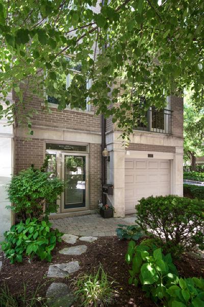 Condo/Townhouse For Sale: 2725 North Janssen Avenue