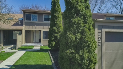 Roselle Condo/Townhouse For Sale: 792 Oregon Trail