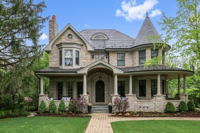 Hinsdale Single Family Home For Sale: 321 Radcliffe Way