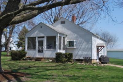 Batavia Single Family Home For Sale: 1s915 Deerpath Road
