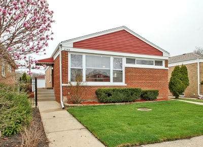 Single Family Home For Sale: 6544 North Albany Avenue