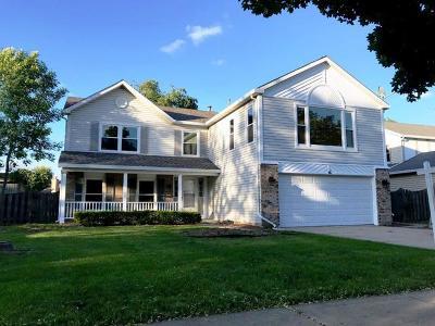 Buffalo Grove Single Family Home For Sale: 14 Newtown Drive