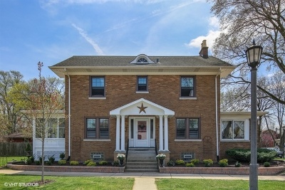 La Grange Single Family Home For Sale: 97 Dover Avenue