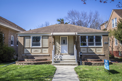 Brookfield Single Family Home For Sale: 3332 Grand Boulevard