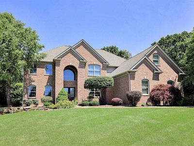 Johnsburg Single Family Home For Sale: 2907 Sweetwater Lane