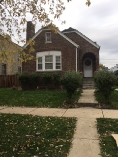 Blue Island Single Family Home For Sale: 12508 Maple Avenue