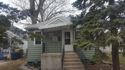 Evergreen Park Single Family Home For Sale: 2704 West 99th Street