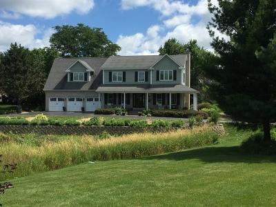 Crystal Lake Single Family Home For Sale: 4018 Steeple Run