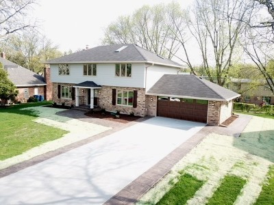 Oak Brook Single Family Home For Sale: 688 Avenue Latour